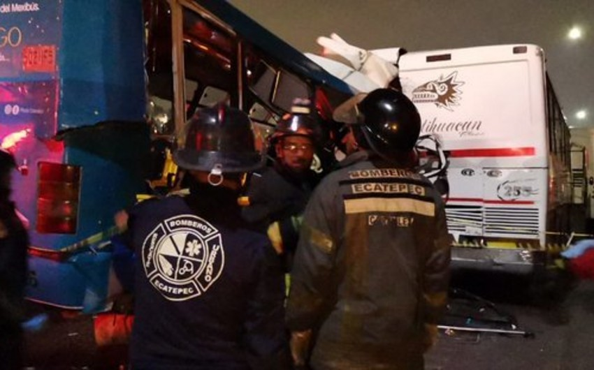 11 killed by collision of three buses in the state of Mexico