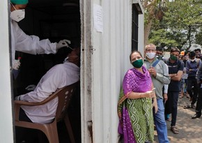 India sets new anti-record for COVID death toll