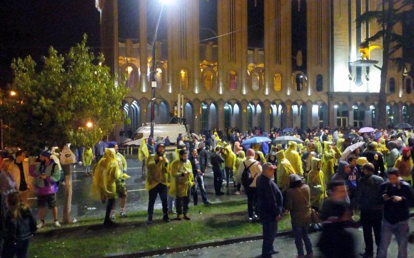 Акция протеста в Тбилиси продлится до утра - ФОТО