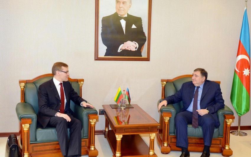 Vergilər naziri Litva xarici işlər nazirinin müavini ilə görüşüb