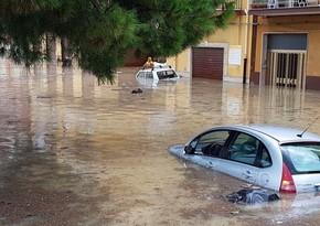 На Сицилии из-за ливней затопило город Катания