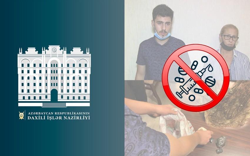 В Баку задержаны продававшие метамфетамин мать и сын