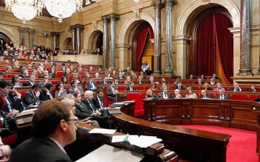 Kataloniya parlamenti Madridin hərəkətlərinə cavab verəcək