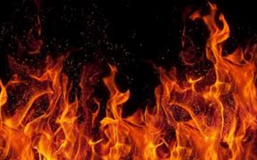 Cəlilabadda geyim mağazası yandı