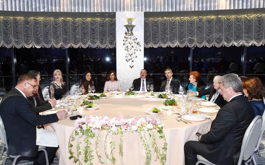 IV Qlobal Bakı Forumunun iştirakçılarına ziyafət verilib