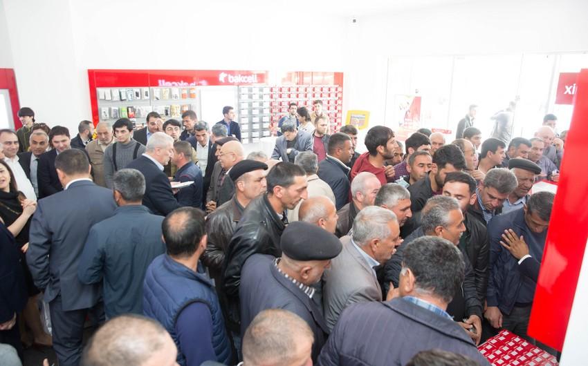 """Cəlilabadda """"Bakcell""""in yenilənmiş Satış və Müştəri Xidməti mərkəzi təqdim edilib"""