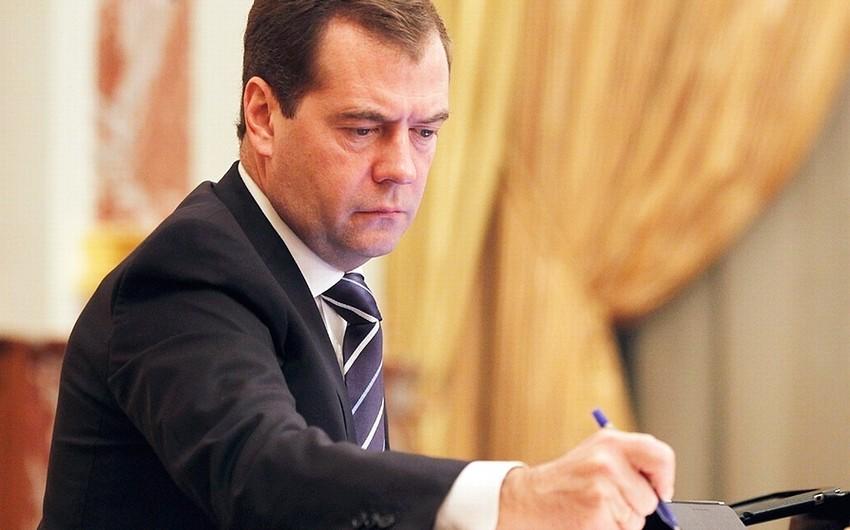 Rusiyanın baş naziri Türkiyə məhsullarına tətbiq edilən sanksiyanın ləğvi barədə sərəncam imzalayıb