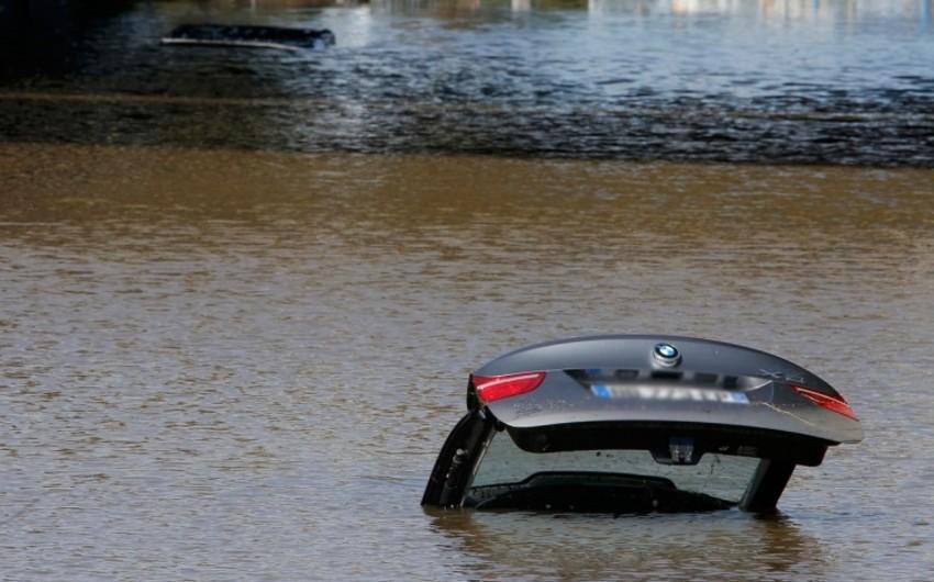 На дороге Агдаш-Халдан автомобиль упал в канал, 5 человек получили тяжелые ранения - ОБНОВЛЕНО