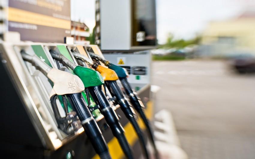 Ən ucuz benzin satılan ölkə qiyməti artırır
