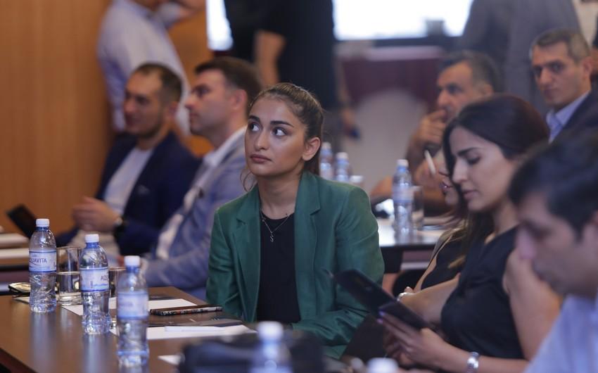 Bakıda dövlət rəsmiləri və sahibkarların iştirakı ilə görüş keçirilib
