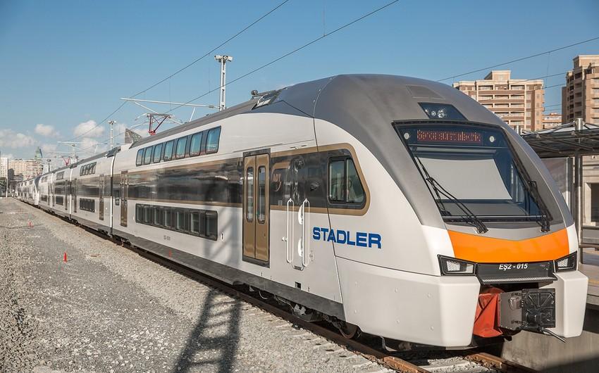 Запускается скорый поезд Баку-Гянджа-Баку