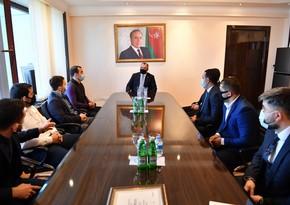 Adil Əliyev tanınmış idmançılarla görüşdü