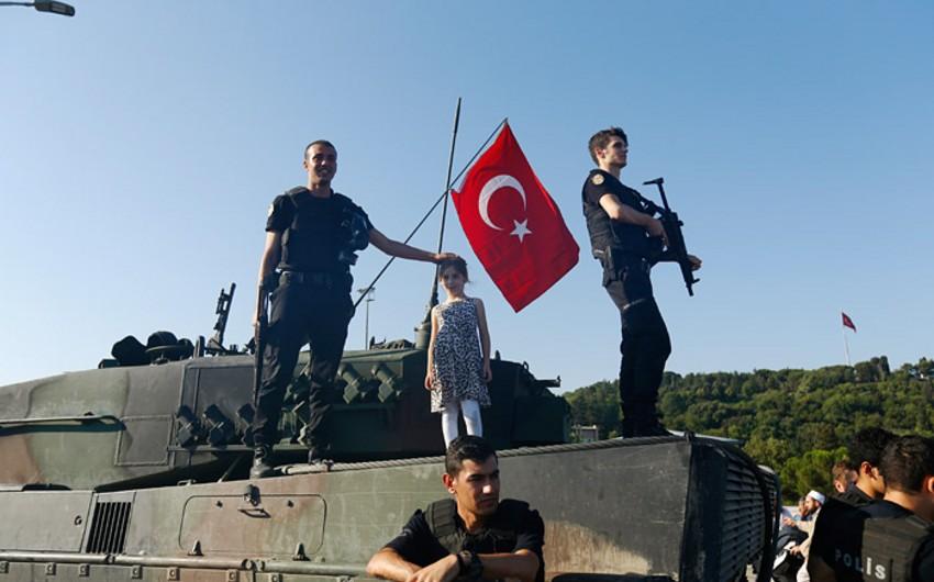 Türkiyədə FETÖ terror təşkilatı ilə əlaqəli 35 min nəfər həbs olunub