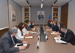 Foreign Minister meets with members of French National Assembly