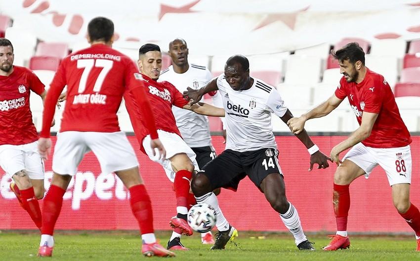 Beşiktaş yenə xal itirdi