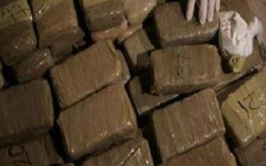 BƏƏ-də göyərtəsində narkotik maddə olan İrana məxsus gəmi saxlanılıb
