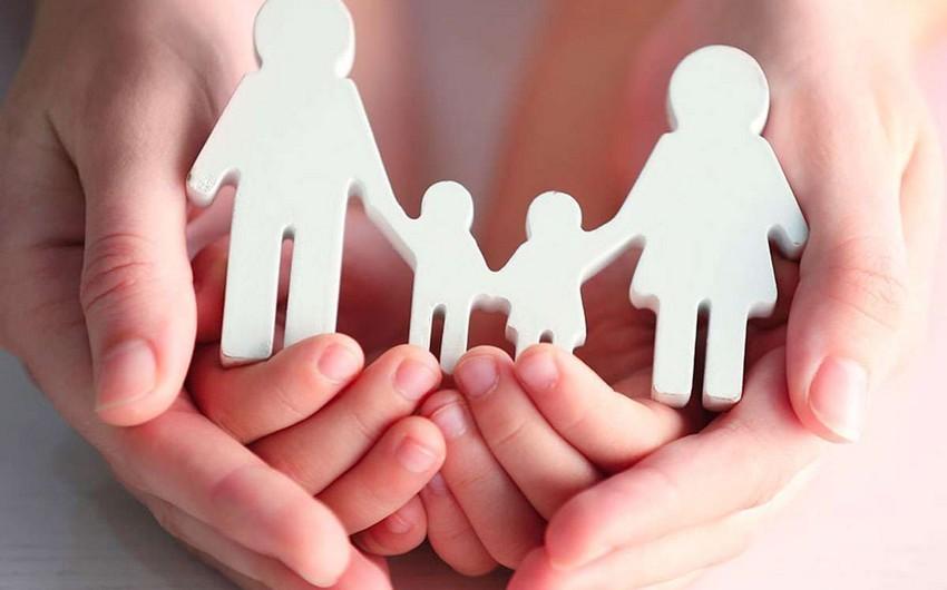 В Азербайджане в прошлом месяце 11 детей переданы на усыновление