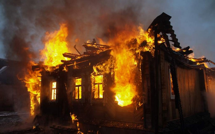 Rusiyada üç nəfər yanaraq ölüb