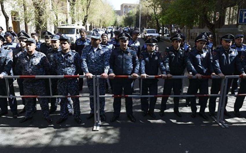 Ermənistan müxalifəti Yerevanın mərkəzində yenidən mitinq keçirir