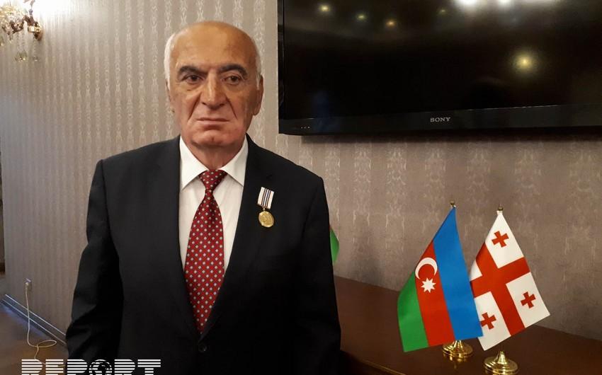 Gürcüstan prezidenti azərbaycanlı hüquq müdafiəçisini Şərəf medalı ilə təltif edib
