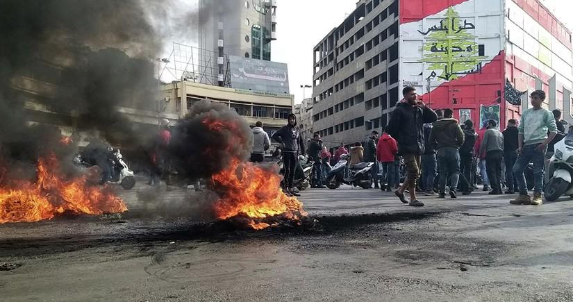 Livanda etirazçılarla polis arasında toqquşmalar olub, yaralılar var