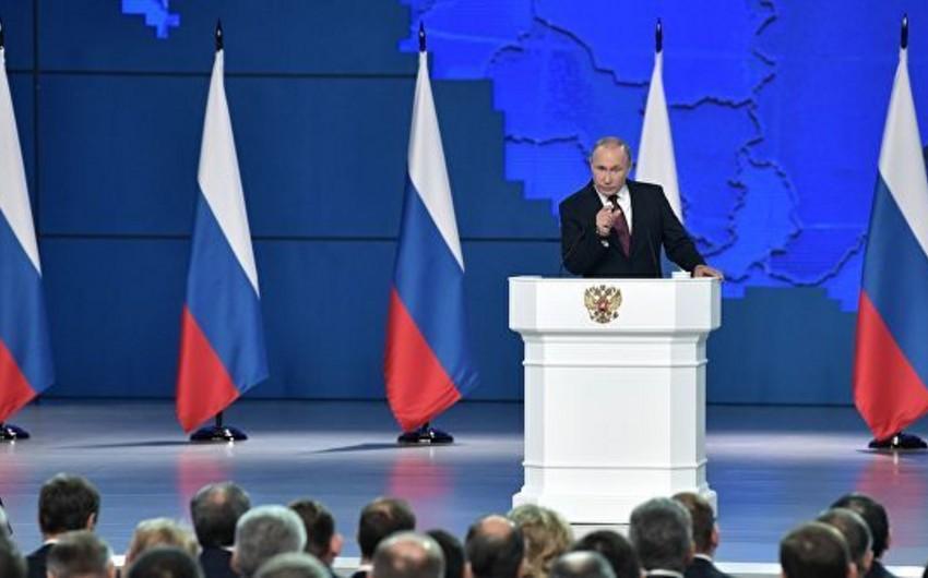 Vladimir Putin: Avropada raketlərin yerləşdirilməsinə eyni şəkildə cavab veriləcək