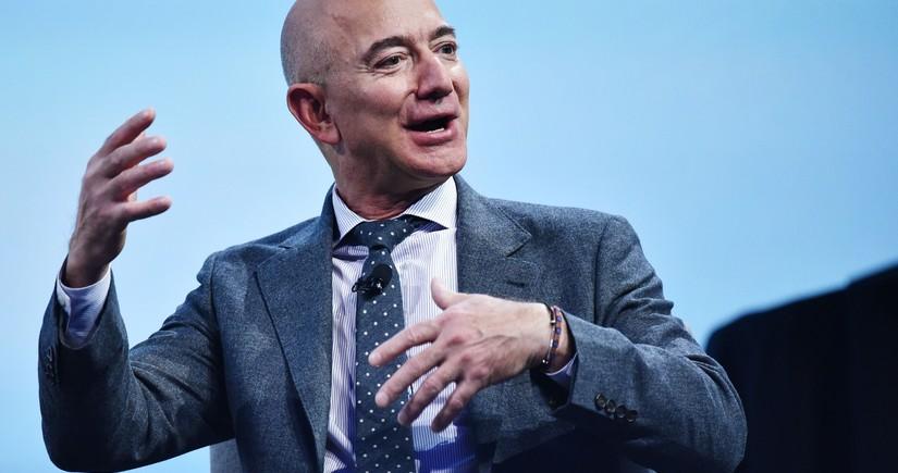 """""""Amazon""""un rəhbəri 2,5 milyard dollarlıq şirkət səhmi satıb"""