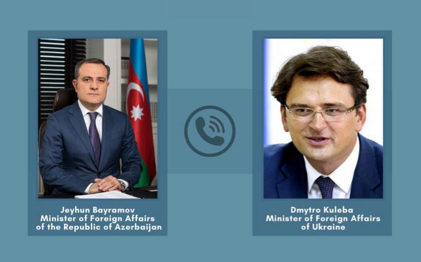 Ceyhun Bayramov Ukrayna XİN başçısı ilə telefonla danışıb