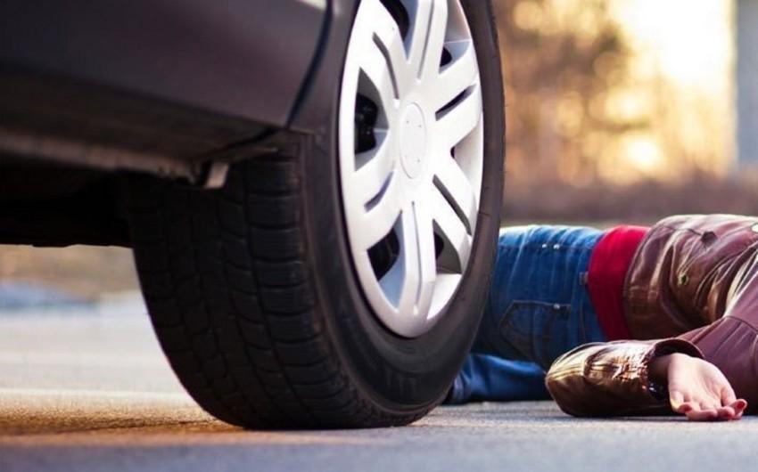 Ağsuda 5 yaşlı uşağı avtomobil vuraraq öldürüb
