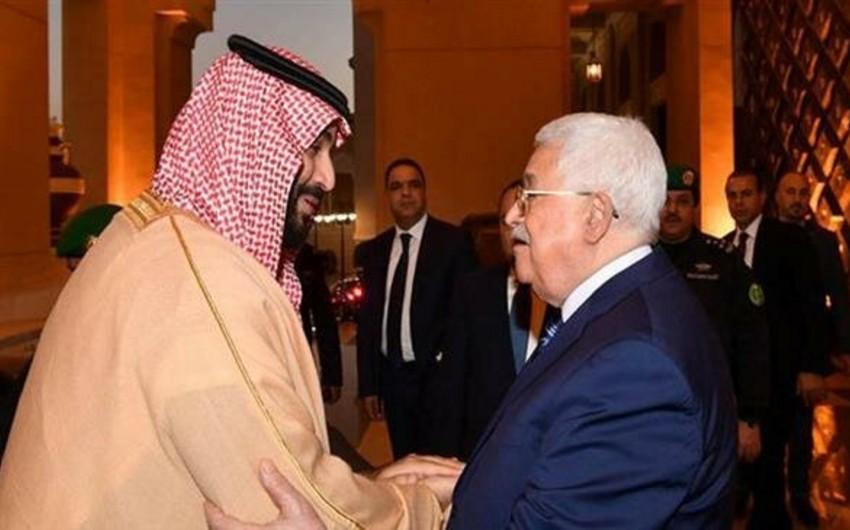 СМИ: Саудовский принц предложил президенту Палестины 10 млрд долларов за поддержку сделки века