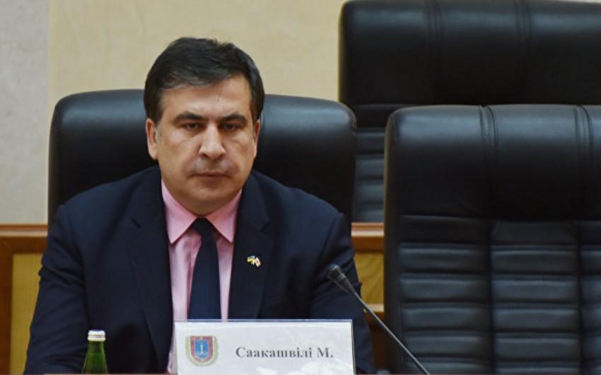 Petro Poroşenko Saakaşvilinin qubernator vəzifəsindən azad edilməsi barədə sərəncam imzalayıb