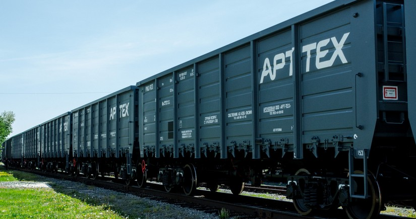 Azerbaijan's logistics company buys 100 carriages from Russia