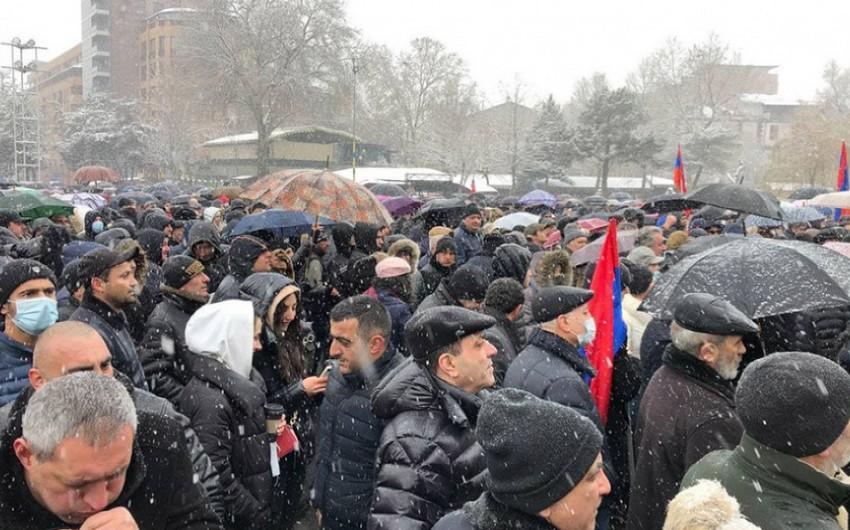 Оппозиция Армении проводит акцию неповиновения