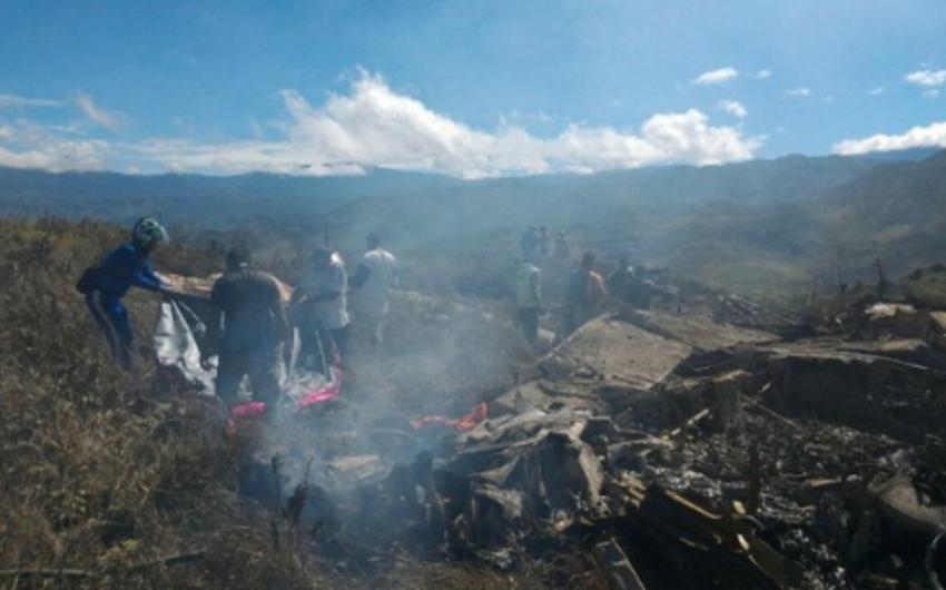 При крушении самолета ВВС Индонезии погибли 13 человек