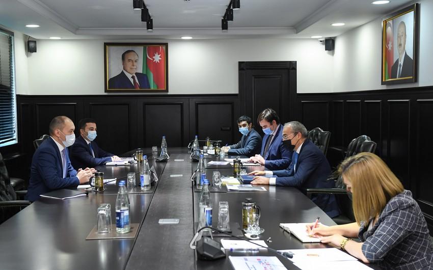 Azərbaycan TRACECA çərçivəsində əməkdaşlığın genişləndirilməsini müzakirə edib