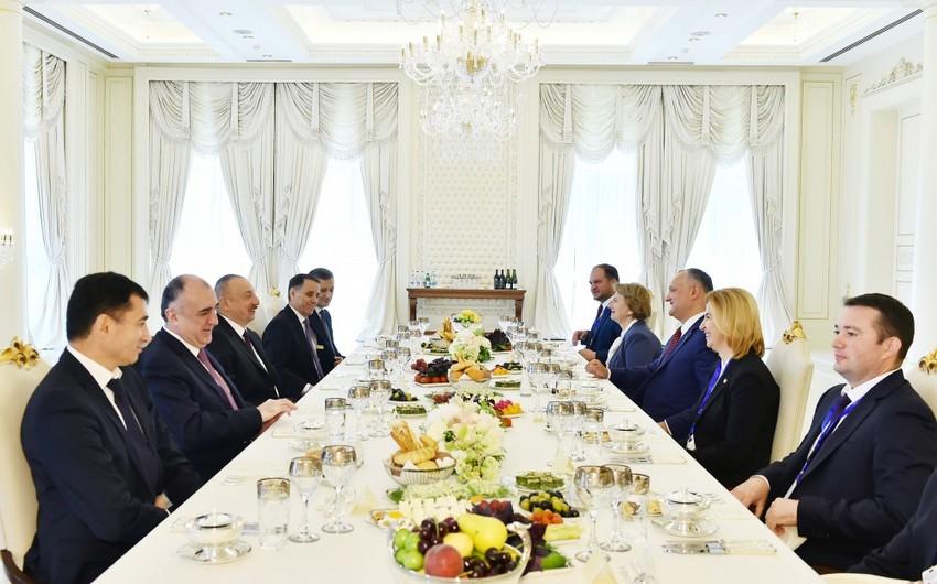 Moldova Prezidentinin şərəfinə rəsmi nahar verilib
