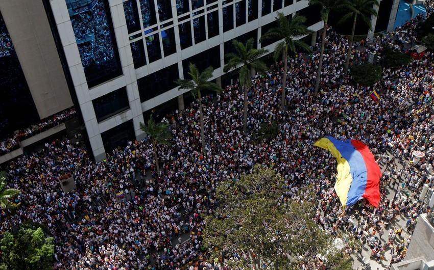 Venesuelada etiraz aksiyaları zamanı ölənlərin sayı 26-ya çatıb