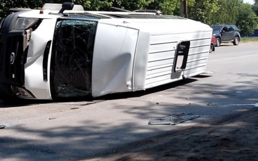 Ucarda mikroavtobus qəzasında yaralananların adları məlum olub - SİYAHI