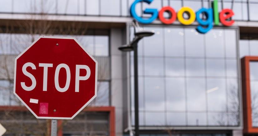 """""""Google"""" şirkəti ABŞ-da reklam bazarını inhisara almaqda ittiham olunur"""
