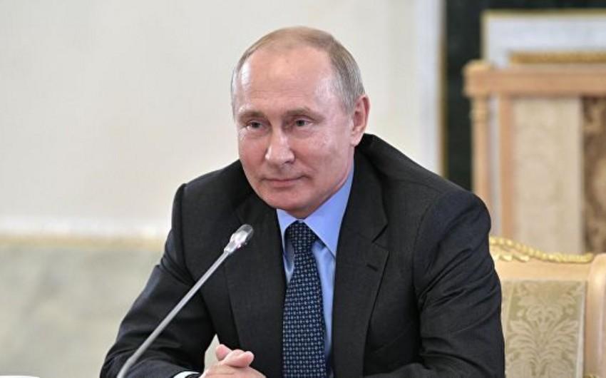 Vladimir Putin: İranın nüvə sazişindən ABŞ-ın çıxması nüvə silahlarının yayılmaması rejiminə təsir edir