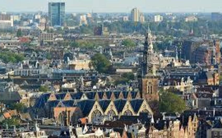 Londonda yerləşən şirkətlər Amsterdama köçür