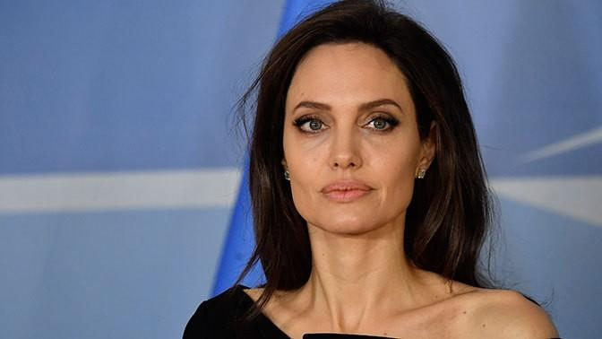 Angelina Jolie hints at going into politics