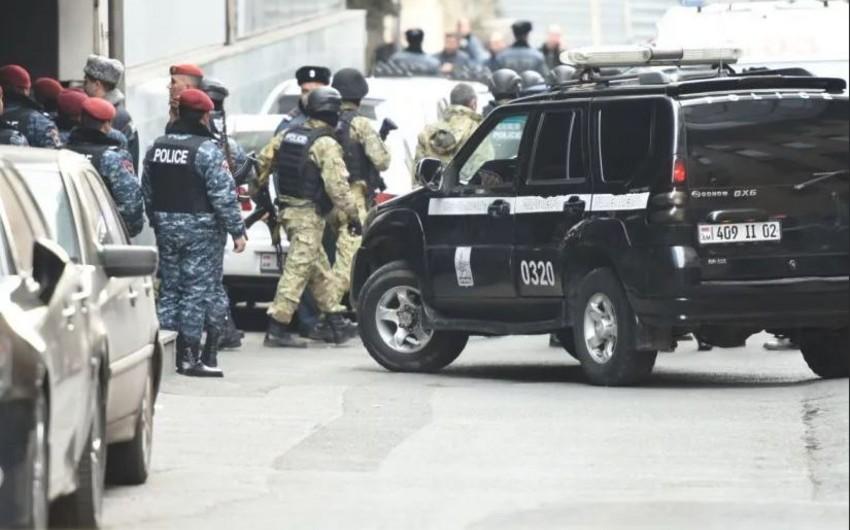 Ermənistanda hər gün atışmadır: Bu dəfə kriminal avtoritetin yaxın adamı öldürüldü