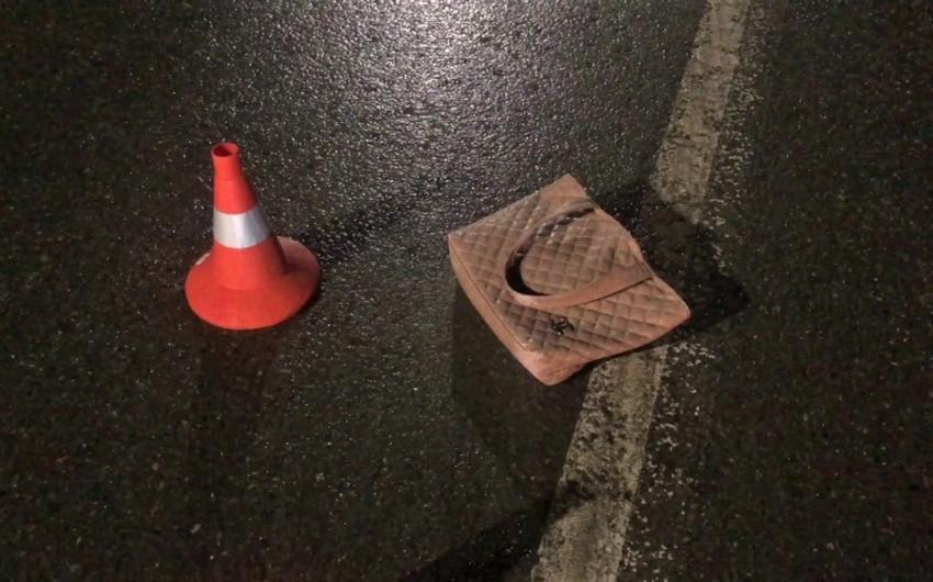 На трассе Баку-Газах автомобиль насмерть сбил женщину - ОБНОВЛЕНО