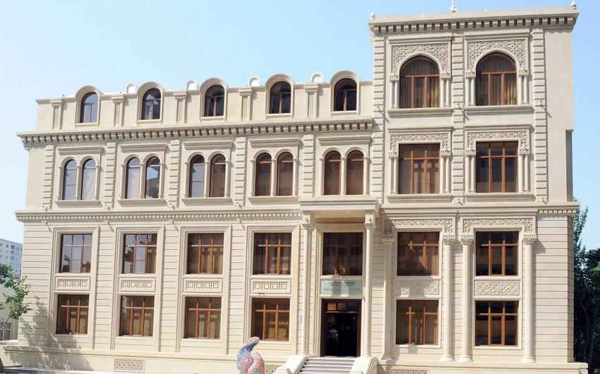 Qarabağın azərbaycanlı icmasının sədri diplomatlarla görüşüb
