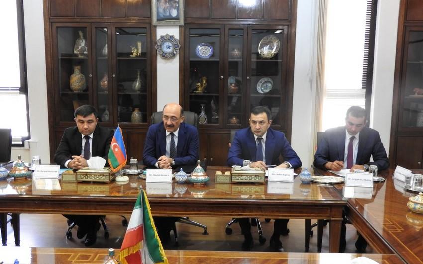 Əbülfəs Qarayev İranın vitse-prezidenti Zəhra Əhmədipurla görüşüb