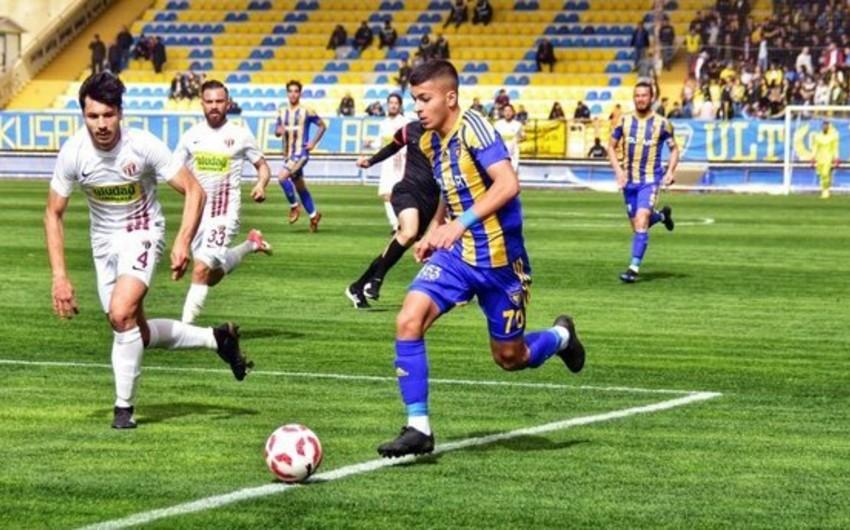 Qarabağın istədiyi futbolçuya Astana da müştəri çıxdı