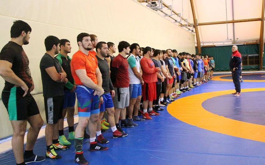 Azərbaycan güləşçiləri 2017-ci ildə 294 medal qazanıblar