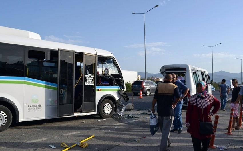 Türkiyədə iki sərnişin avtobusu toqquşub, 41 nəfər yaralanıb