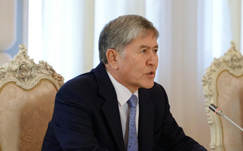 Qırğızıstan prezidenti ürəyində yaranan problem səbəbindən ABŞ-a səfərini təxirə salıb